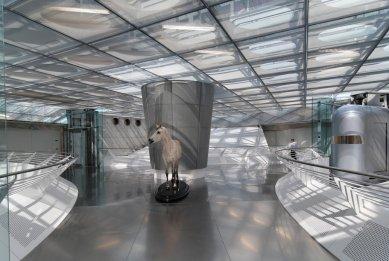 Mercedes Benz Museum - foto: Petr Šmídek, 2011