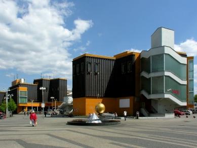 Obchodní středisko Ještěd - 3. května 2007 - foto: Lukáš Beran