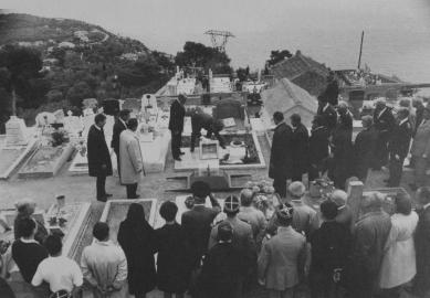 Hrob Le Corbusiera a jeho ženy Yvonne - Uložení urny 4. září 1965
