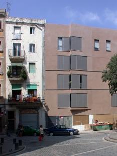 Social Housing Sant Agustí Vell - foto: Petr Šmídek, 2006