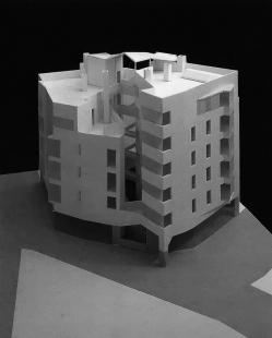 Social Housing Sant Agustí Vell - Model