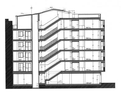 Social Housing Sant Agustí Vell - Řez