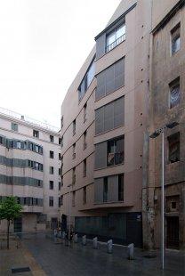 Social Housing Sant Agustí Vell - foto: Petr Šmídek, 2008