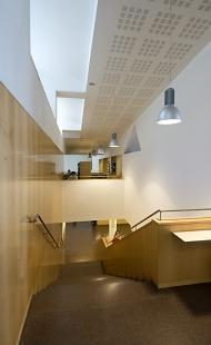 Jaume Fuster Library - foto: © Ester Havlová, 2006