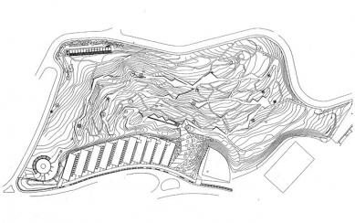 Jardí Botanic de Barcelona - Situace areálu botanické zahrady - vrstevnice - foto: © Carlos Ferrater, S.L.