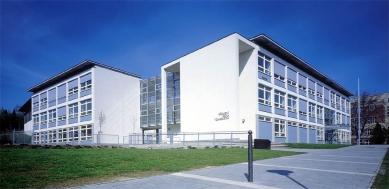 III. Základní škola a Městská sportovní hala - foto: Štecha