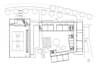 III. Základní škola a Městská sportovní hala - Situace - foto: Architektonická kancelář Burian - Křivinka