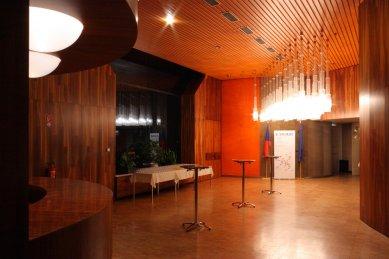 Budova zastupitelského úřadu ČSSR v DDR - Lobby - foto: Lukáš Beran