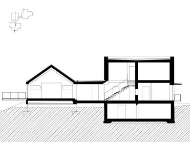 Dům v lomu - Řez - foto: archiv