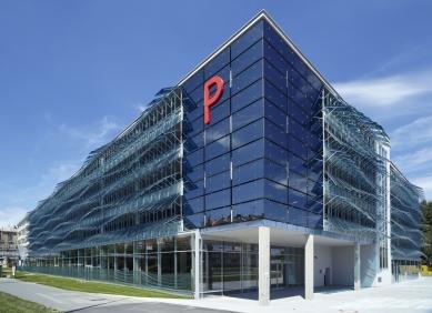 Parkovací dům Rychtářka v Plzni byl uveden do provozu