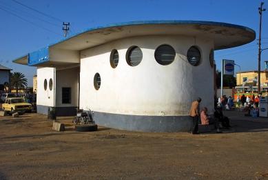 Asmara industriální - Benzínová stanice Shell -  1937 - foto: Adam Lacina