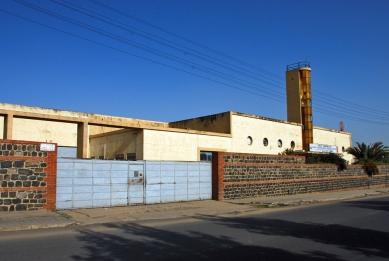 Asmara industriální - Továrna na silikon - Carlo Marchi a Carlo Montalbetti, 1938 - foto: Adam Lacina