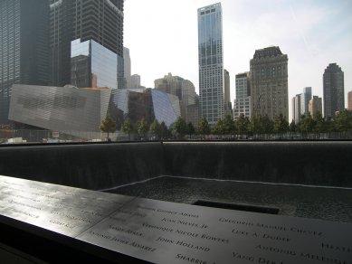 Rozhovor s Petrem Kratochvílem - Národní památník 11. září v NY - Národní památník 11. září v New Yorku od Michaela Arada a Petera Walkera (2011) - foto: Petr Kratochvíl/Fulbright-Masaryk grant, 2011