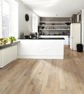 Pořizujete dřevěnou podlahu a hledáte ten správný dekor? Zkuste univerzální a přitom velkorysý 2-lamelový vzor... - Kährs kolekce Sand - Dekor Dub Portofino