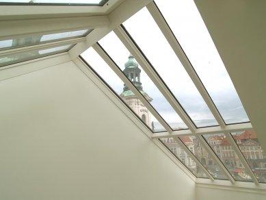 Střešní okna, prosklení a výstupy na BAUTEC v Berlíně - Střešní prosklení Solara, do hřebene