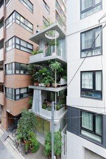 Vertikální zahrada v Tokiu od Ryue Nishizawa - foto: © Iwan Baan