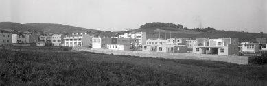 "Ve Vídni začala výstava o sídlišti Werkbundsiedlung - Pohled na sídliště ""Werkbundsiedlung"" z jihu, oblast ""Rote Berg"" v pozadí, 1932 - foto: Martin Gerlach jun."