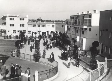 """Ve Vídni začala výstava o sídlišti Werkbundsiedlung - """"Werkbundsiedlung"""" v den otevření, 4. červen 1932 - foto: Albert Hilscher"""