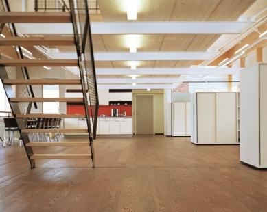 Administrativní a školící centrum  STIA Holzindustrie GmbH