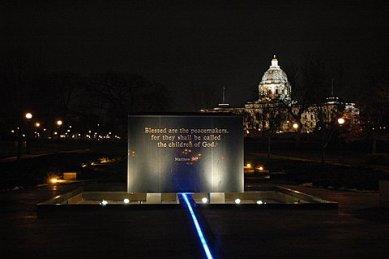 Vítězný návrh na brněnský památník holocaustu je plagiát - foto: MN State Memorial v St. Paul (Minnesota)