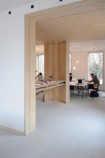 Experimentální projekt pilino-betonového domu green.house - práce v ateliéru, 1.NP - foto: Jessica Christoph, Bauhaus-Univerzita Výmar