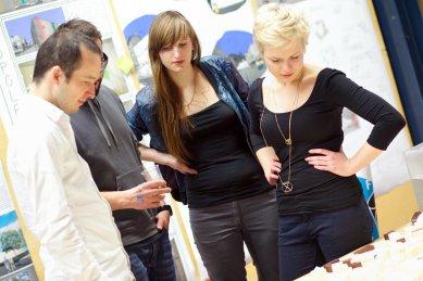 Ještěd f kleci 09 - slavnostní vyhlášení - Diskuze nad projekty - foto: Jan Mastník