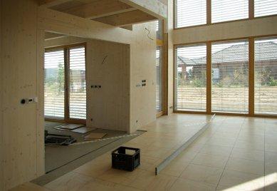 1. máj – čas na den otevřených dveří v moderní dřevostavbě nedaleko Mníšku p.B.