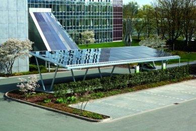 Schüco International KG na veletrhu Intersolar Europe 2013 představí nejzajímavější systémová řešení divize New Energies