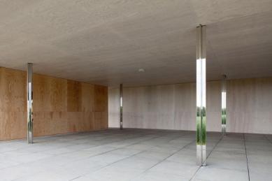 V Německu zhmotnili po 80 letech projekt Miese van der Roheho - foto: Marc De Blieck © Robbrecht en Daem architecten