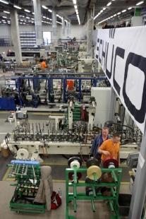 Nová výrobní hala na barevné plastové profily firmy Schüco byla otevřena ve Weißenfelsu, sídle divize plasty