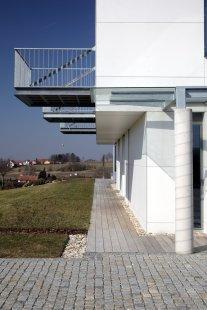 Rodinný dům  v Litomyšli s fasádními deskami Cembrit ZENIT - foto: Robert Žákovič