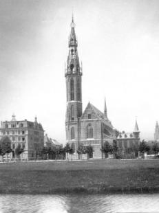 Hendrik P. Berlage: Vývoj moderního stavitelského umění v Nizozemí - Pierre Cuypers: St. Martinuskerk, Groningen (1895, zbořeno 1982)