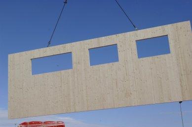NOVATOP - lék na vady dřevostaveb - Panely mohou mít formát až 2,95x12m