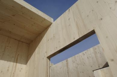NOVATOP - lék na vady dřevostaveb - Jednoduché spoje na stavbě