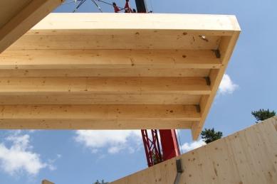 NOVATOP - lék na vady dřevostaveb - NOVATOP OPEN není zaklopený a umoňuje řešit rozvody a vzduchotechniku až na stavbě.