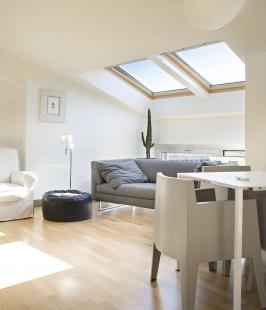 VELUX - podzimní cenové zvýhodnění - Celodřevěná kyvná střešní okna GGL jsou prověřenou klasikou mezi střešními okny.