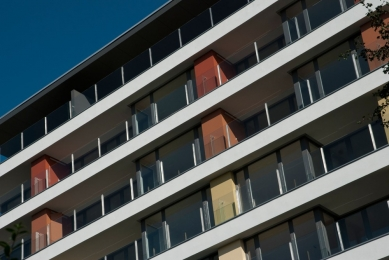 Rezidence Aurum - přírodní barevné tóny fasády