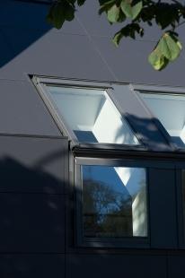 Dánské netradiční propojení střechy s fasádou