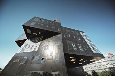 PREFA oblékla vídeňskou ekonomickou univerzitu