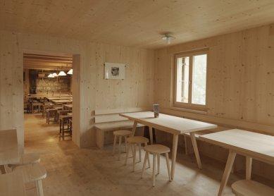 K výstavě Giona Caminady v Českých Budějovicích - Horská chata Terri - foto: Lucia Degonda