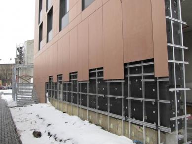 CPI City Center Olomouc - fasádní desky Cembrit Cembonit - skryté kotvení - foto: OK Mont