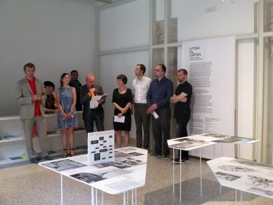 La Biennale di Venezia 2014 - ohlédnutí za výstavou - Z vernisáže výstavy Lifting the Iron curtain - foto: Helena Doudová, 2014