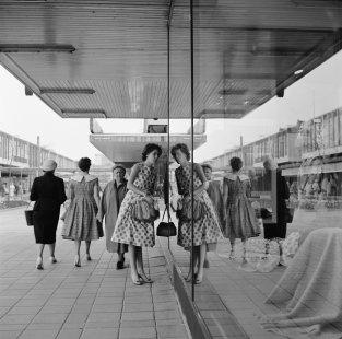 La Biennale di Venezia 2014 - ohlédnutí za jednotlivými pavilony - NL - Lijnbaan - foto: Steef Zoetmulder Nederlands Fotomuseum