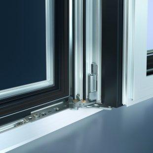 """Aby okna byla """"dokořán"""" - zcela skryté kování Schüco AvanTec SimplySmart s úhlem otevření 180°"""