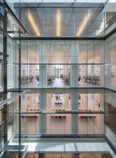 Erick van Egeraat: fakulta rotterdamské univerzity dokončena - foto: © Ossip van Duivenbode