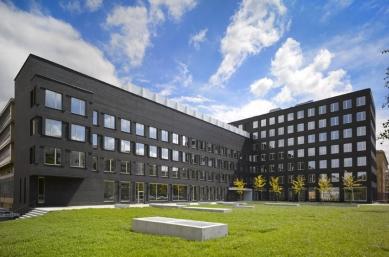 Přeformátováno - pozvánka na komentovanou prohlídku FI MU - Fakulta informatiky MU v Brně, vizualizace návrhu, 2009-2011 - foto: Pelčák a Partner Architekti