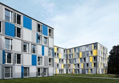 Modulární stavební konstrukce s úspornými okny Schüco Alu Inside, která přispívají k prakticky nulovým nákladům za topení a teplou vodu -  Pro optimální cirkulaci vzduchu při zavřeném okně je systém Schüco Alu Inside vybaven integrovanou spárovou ventilací Schüco. - foto: Schüco International KG a LiWooD, München