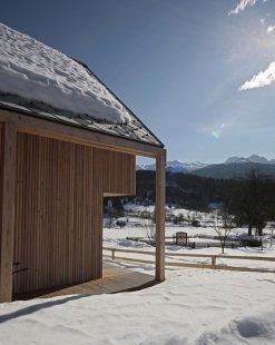 Salon dřevostaveb 2015 - pozvánka na přednášku tří zahraničních hostů - Alpine Hut  - foto: OFIS arhitekti