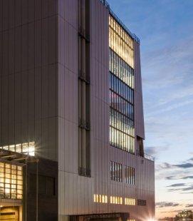 Whitney Museum v New Yorku od Renzo Piana - foto: Karin Jobst