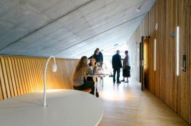 Sportoviště pro gymnasium v Hellerup od BIG - foto: Jens Lindhe